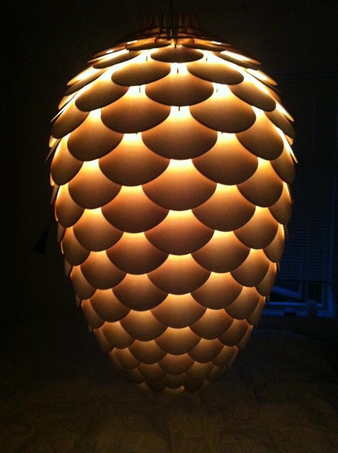 Pinecone Design Deckenlampe aus transparentem Plexiglas