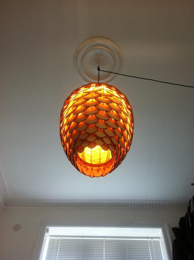 Pinecone Design Deckenlampe aus Holz