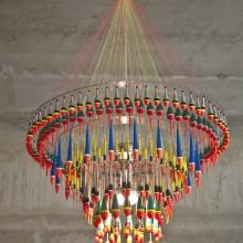 Studio Tweelink: Design-Kronleuchter aus Angel-Zubehör