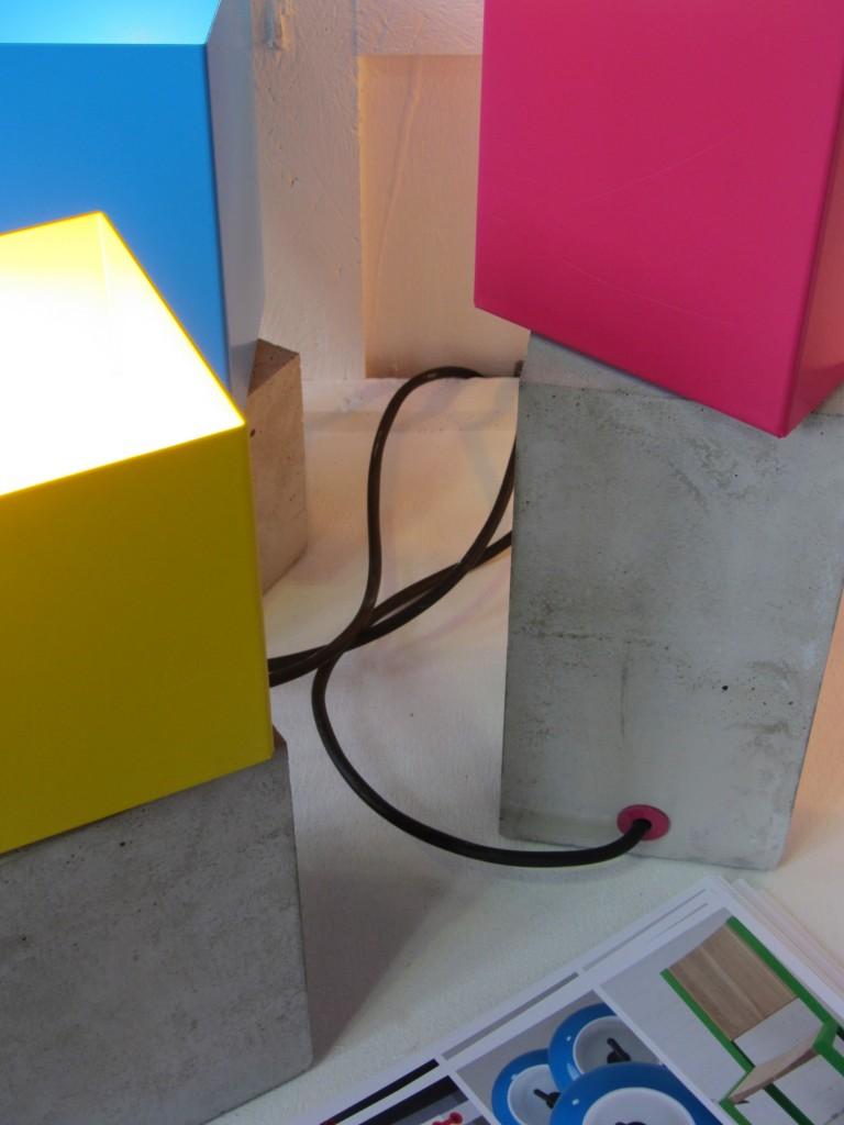 Sebastian Reymers Light Pack - Tischleuchte aus Metall und Beton