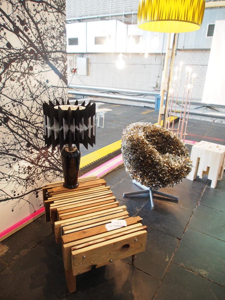 Orterfinder Upcycling Couchtisch designed aus Holzresten